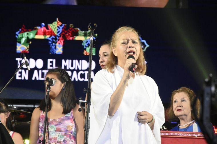 FOTO: He visto a Lucy, banda de covers de Cerartti en el Festival de Peñas de Villa María.