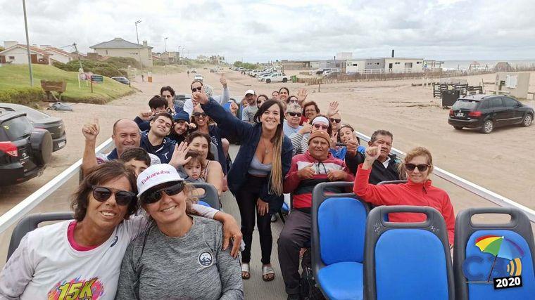 AUDIO: City tour gratuito por Pinamar en un colectivo descapotable (por Eugenia Iérmoli)