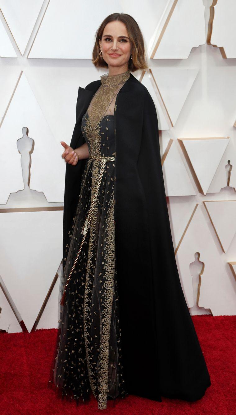 FOTO: Lily Aldridge en la alfombra roja de los Oscar 2020.