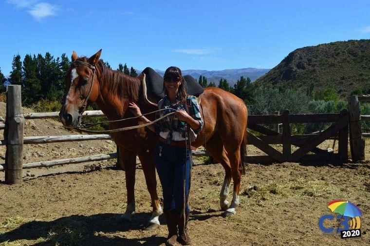 FOTO: Marcela Psonkevich cabalga en Cerro Leones