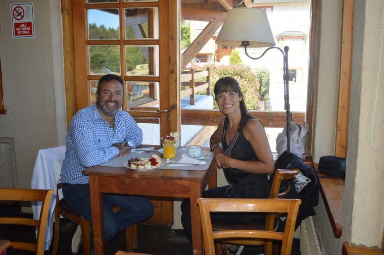 FOTO: Desayuno a orillas del Nahuel Huapi Apart del Lago