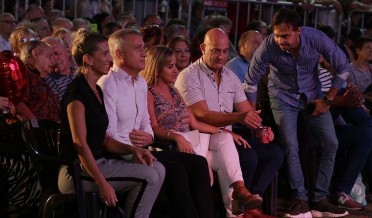 FOTO: Una multitud disfrutó la velada romántica en Carlos Paz.