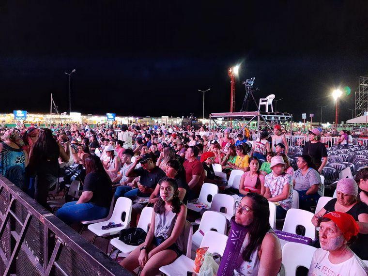 FOTO: Audiencia ingresando a la Fiesta Nacional de la Chaya
