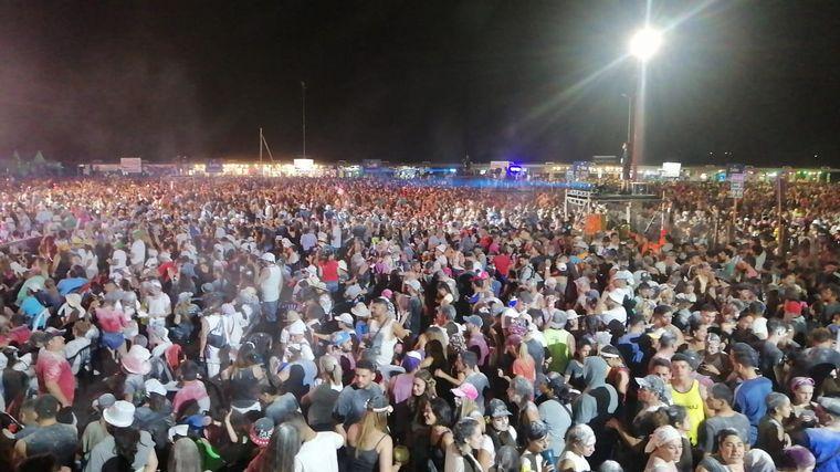 FOTO: 15 mil personas en la Fiesta Nacional de la Chaya