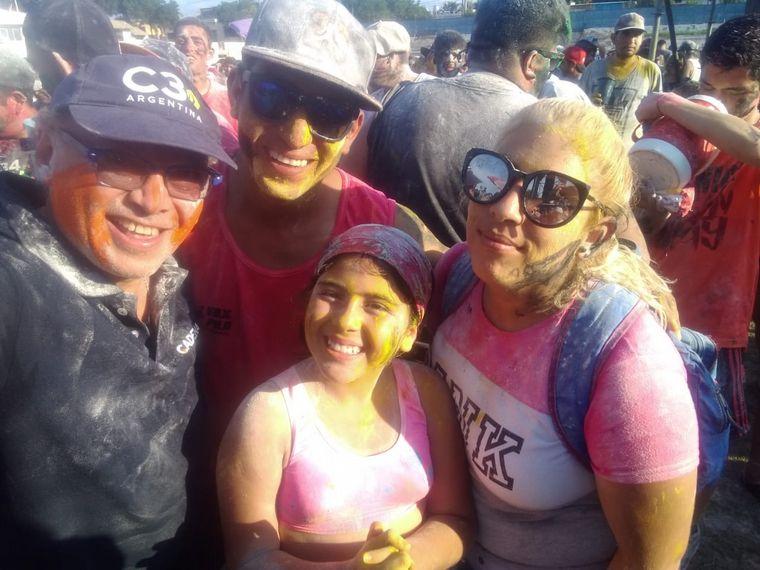 """FOTO: Casi 15 mil personas disfrutaron este sábado del """"topamiento"""" del Camión de Germán."""