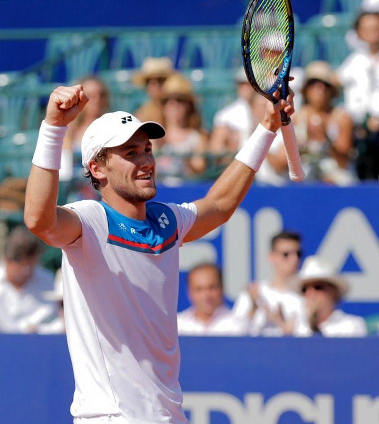FOTO: Casper Ruud, con el trofeo del ATP de Buenos Aires.