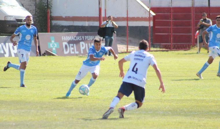 FOTO: Estudiantes de Río Cuarto, ante Independiente Rivadavia en Mendoza.