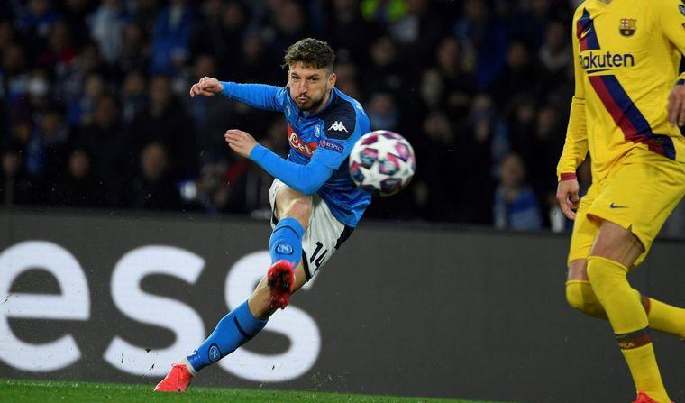 FOTO: Barcelona y Napoli empataron en Italia.