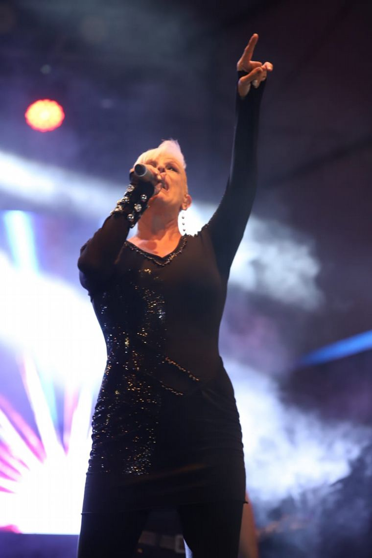 FOTO: Valeria Lynch en la segunda noche de festival Opus Costanera.