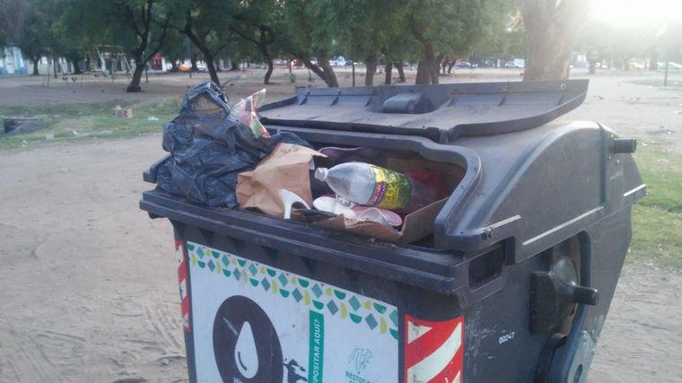 AUDIO: Vecinos de Parque Las Heras indignados por la basura (por Fernando Barrionuevo)
