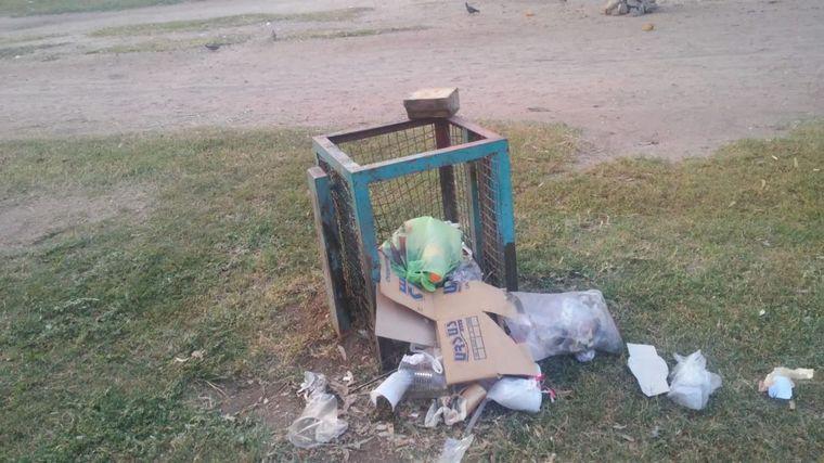 FOTO: Basura en Parque Las Heras