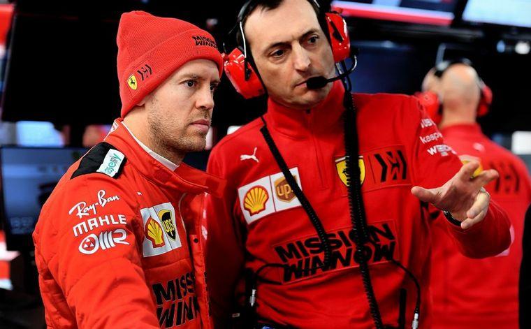 FOTO: Charles Leclerc hizo un excelente simulacro de GP el viernes final en Barcelona