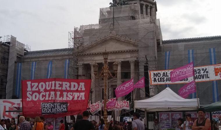 FOTO: Concentraciones en el Congreso de la Nación por el 9M.