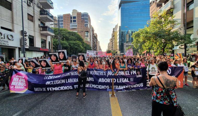 FOTO: 9M: En Córdoba marcharon hasta Yrigoyen (Foto: Ni una Menos Córdoba).