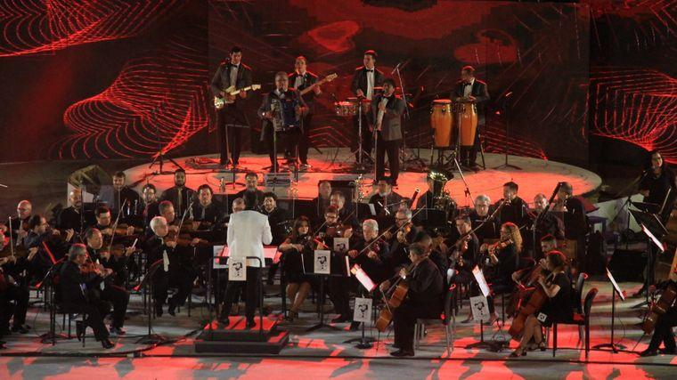 FOTO: Los Palmeras y la Filarmónica conquistaron al Frank Romero Day.