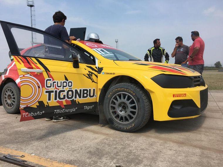 FOTO: Control de alineado en el Maxi Rally de Gonzalez en el Circuito de Berta.