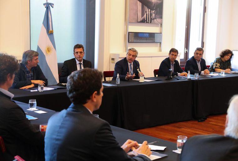 FOTO: Alberto Fernández se reunió con líderes de la oposición.