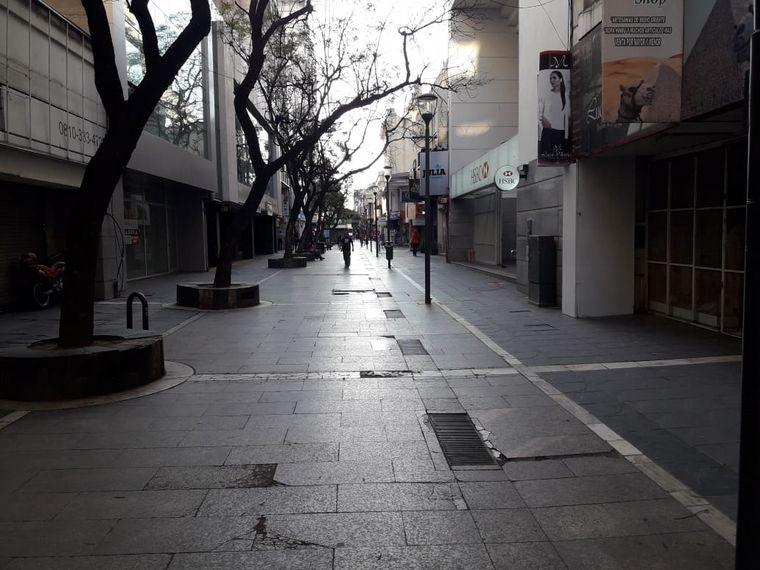 FOTO: Preocupa el efecto del aislamiento en el comercio.