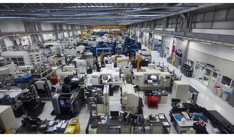 FOTO: La planta de motores de Mercedes F1 produjo un respirador aprobado en Reino Unido