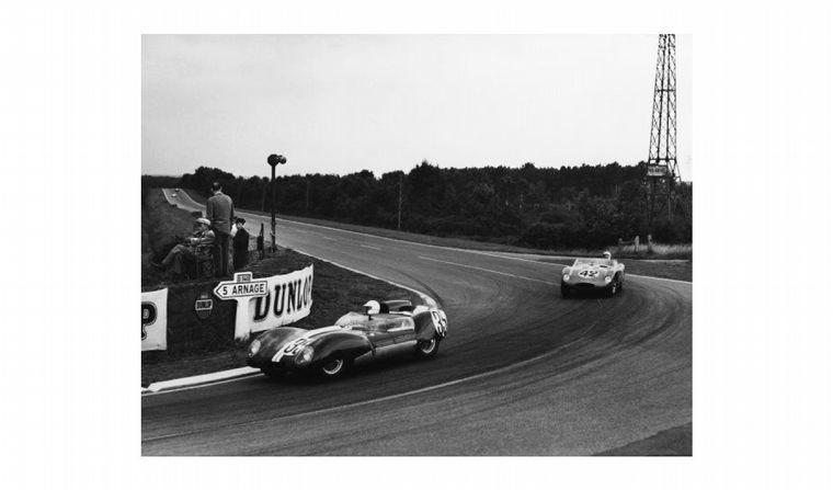 FOTO: 12 Horas de Sebring de 1958, fue 11° compartiendo el volante con su esposa Isabelle