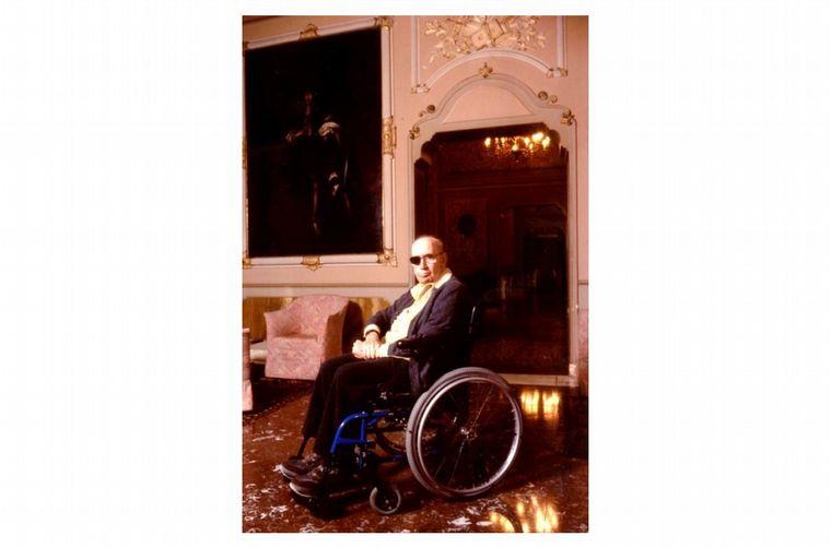 FOTO: Alejandro De Tomaso en su planta de Módena, ya en los 90