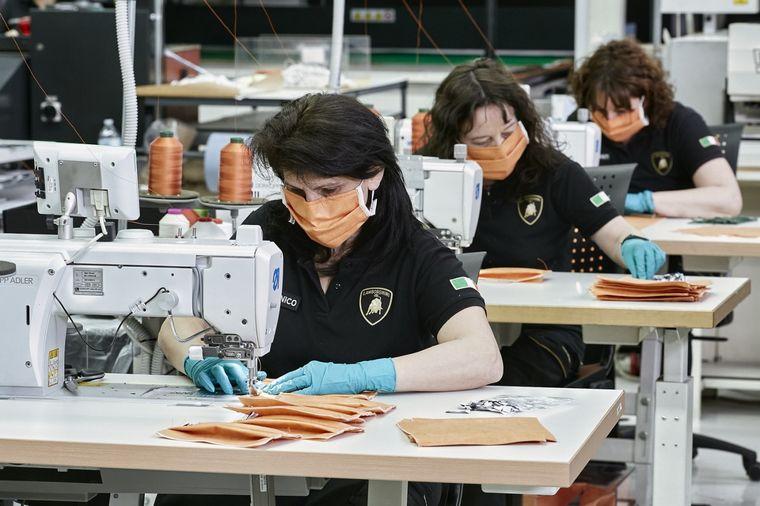 FOTO: Lamborghini ayuda desde su sede de Sant'Agata Bolognese en Italia