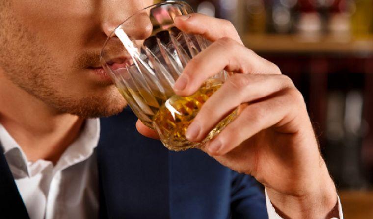 La OMS pidió minimizar el consumo de alcohol en cuarentena ...