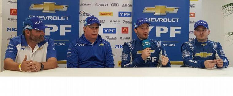FOTO: Sarlenga (Pte.de GM), Canapino y Llaver sus pilotos para 2020.