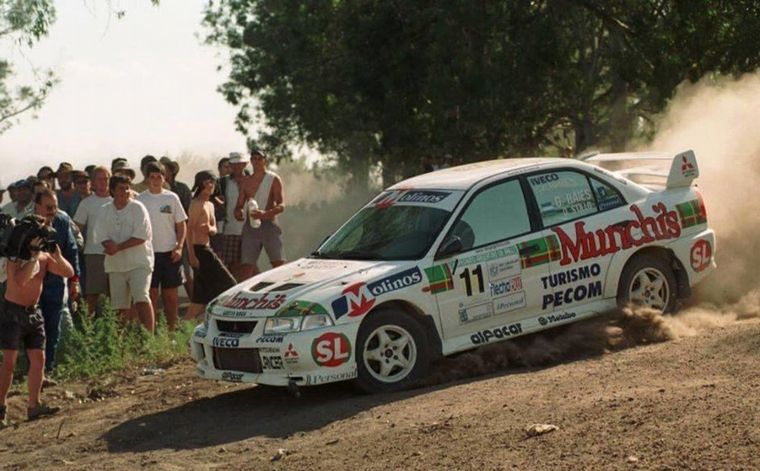 FOTO: Raies con el Clío que derrotó a Seat en 1996.