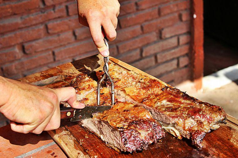 AUDIO: Un mayorista de carnes vendió más de 13 toneladas por reuniones familiares en Córdoba