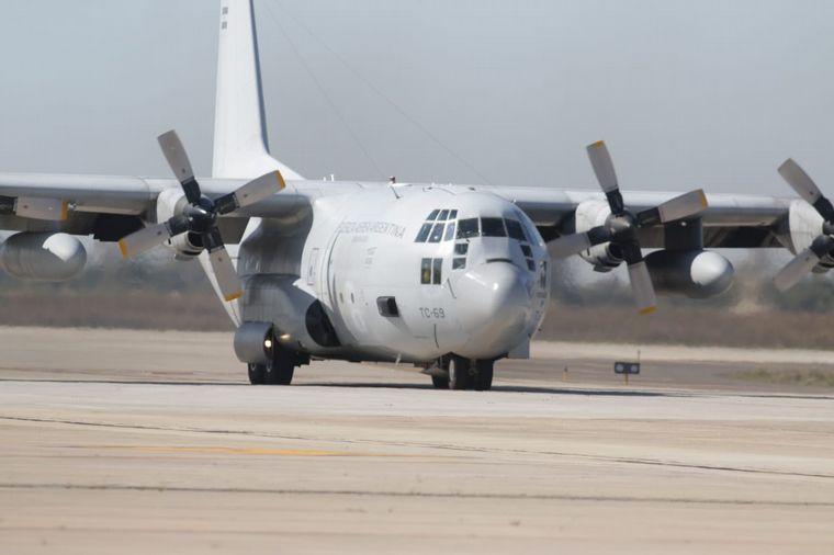 FOTO: Llegó a Córdoba un avión con insumos médicos desde Nación