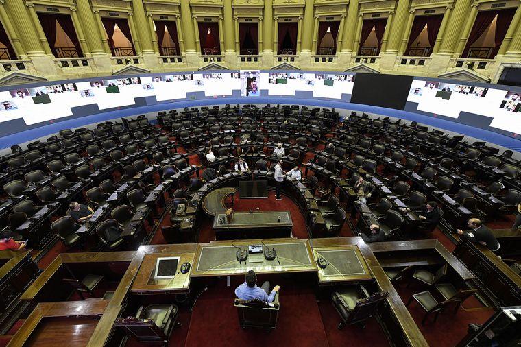 FOTO: Massa recorrió el recinto de la Cámara de Diputados.