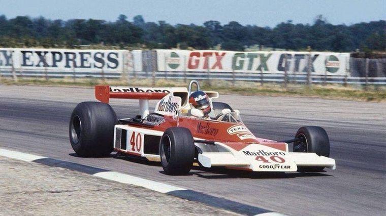 FOTO: Debutó con un McLaren M23 en el GP de Inglaterra 1977