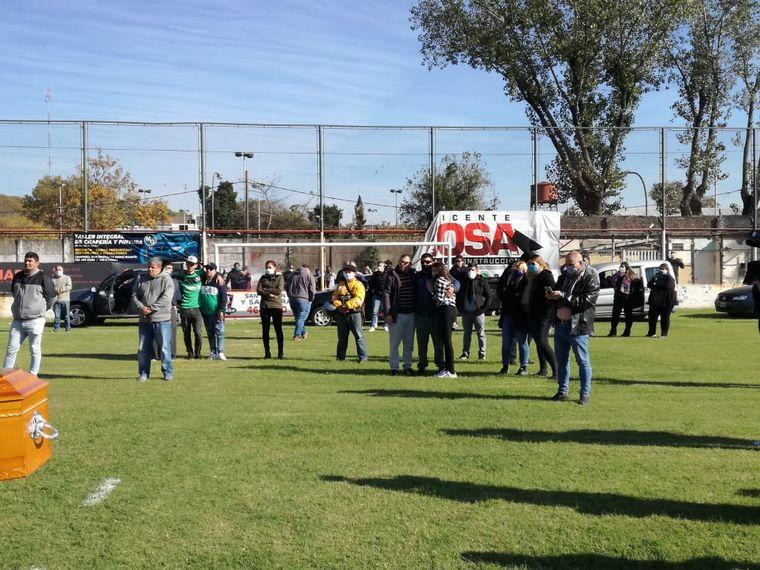 FOTO: Una multitud despide al