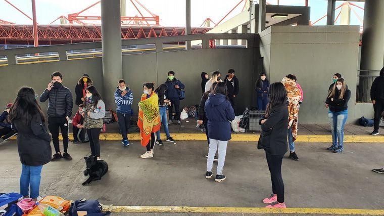 FOTO: Son 40 los varados en la Terminal de Ómnibus de Córdoba.