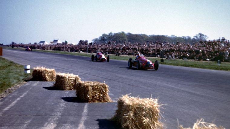 FOTO: El equipo Alfa Romeo en los pits del GP de Inglaterra y Europa de 1950