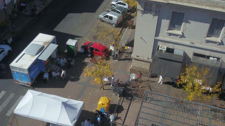 FOTO: Operativo sanitario en la zona del Mercado Norte de Córdoba.
