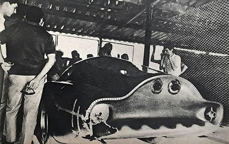 """FOTO: Marzo/1969, Pascualini maneja por primera vez el Huayra en el """"Cabalén""""."""