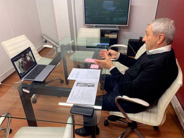 FOTO: Lammens, solicitó hoy los protocolos sanitarios del automovilismo.