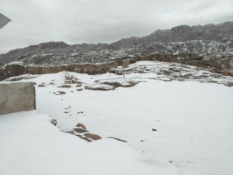 AUDIO: Amanecer con la primera nevada del año en el Cerro Champaquí (Por Agustina Vivanco).