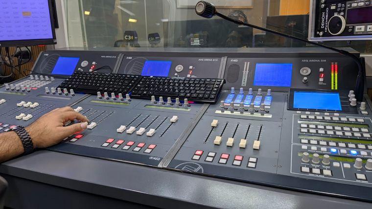 FOTO: Consola radio día del operador