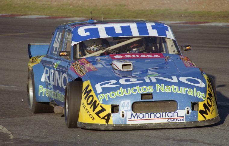 FOTO: Di Palma y su Ford en accón en Buenos Aires del 2000.