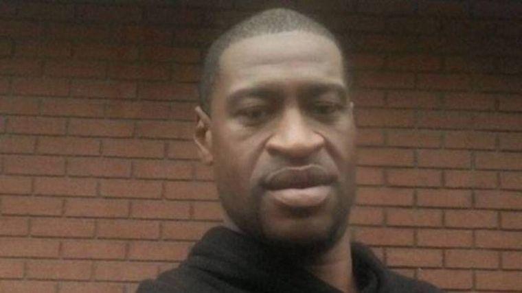 FOTO: Imágenes de la detención de George Floyd