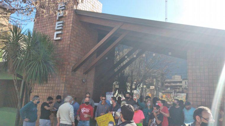AUDIO: Comerciantes de La Falda piden plazos a Epec para pagar el servicio.