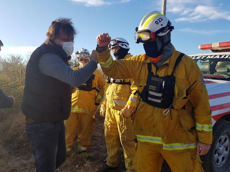 AUDIO: Bomberos voluntarios combaten un incendio en Bialet Massé