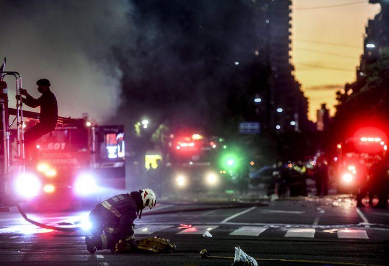 FOTO: Al menos doce heridos por explosiones e incendio en un edificio de Villa Crespo