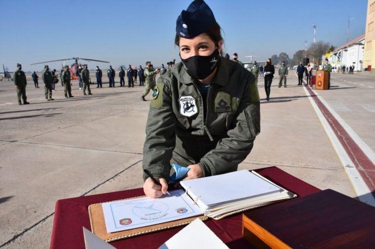 """AUDIO: """"Teniente Marvel"""", la primera piloto de caza en Argentina"""