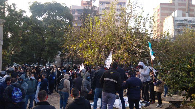 FOTO: Aoita se moviliza desde la Plaza Colón hasta Patio Olmos.