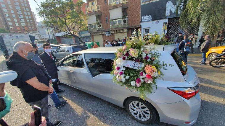 AUDIO: Una caravana de autos acompaña la despedida a Eduardo Gelfo