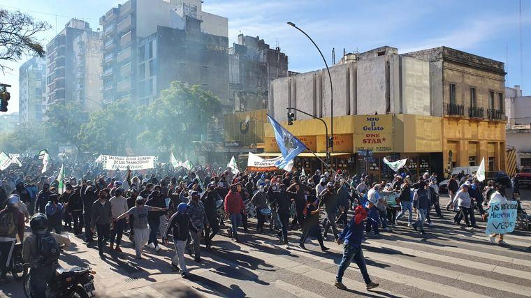 AUDIO: Amplio operativo en el Palacio 6 de Julio por marcha del Suoem